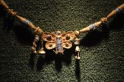Pendente original do grego clássico, borboleta dourada fotografia de stock royalty free
