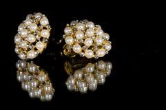 Pendientes de la perla Fotografía de archivo