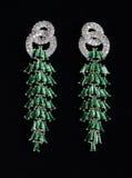 Pendientes de plata con las joyas fotos de archivo libres de regalías