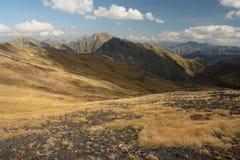 Pendii aridi in Pirenei Fotografia Stock Libera da Diritti