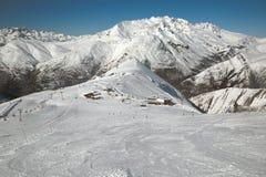 Pendii di corsa con gli sci, paesaggio alpino maestoso Fotografia Stock