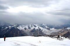 Pendio del ghiaccio di nonte Elbrus Fotografie Stock Libere da Diritti