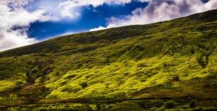 Pendio della collina di Pendle con il cielo e le nuvole Fotografia Stock Libera da Diritti