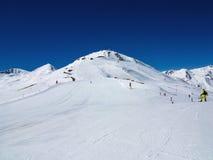 Pendio dello sci nelle alpi italiane Fotografie Stock