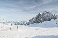 Pendio dello sci sulle alpi dell'austriaco del dachstein Fotografie Stock Libere da Diritti