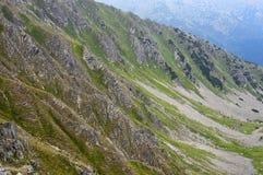 Pendio di collina ripido roccioso Fotografia Stock Libera da Diritti