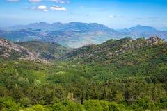 Pendio di collina siciliano, Italia Fotografie Stock