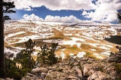 Pendio di Snowy della montagna Fotografie Stock