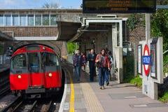 Pendla på den London tunnelbanan Arkivbild