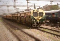 Pendlarejärnväg New Delhi Indien för Mass transport Arkivfoto