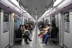 Pendler in der Shanghai-Metro Stockbild