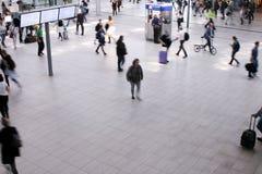 Pendler an der Station in Utrecht, die Niederlande Lizenzfreies Stockfoto