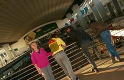 Pendler an einer Johannesburg-Station Stockbild