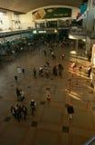 Pendler an einer Johannesburg-Station Lizenzfreies Stockfoto