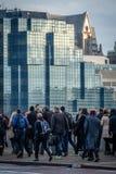 Pendolari di Londra che vanno lavorare Immagini Stock Libere da Diritti