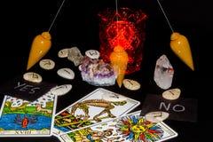 Pendolo di rabdomanzia in 3 posizioni Fotografie Stock Libere da Diritti