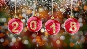 Pendurando 2018 bolas do Natal do brilho do número no fundo do bokeh do ouro 4K ilustração stock