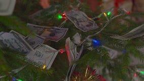 Pengar för jul stock video