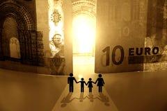 pengar för kungarike ii som ska välkomnas royaltyfri fotografi