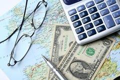 Pengar och geografisk översikt Fotografering för Bildbyråer