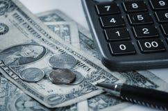 Pengar- och kontorstillförsel Arkivfoto
