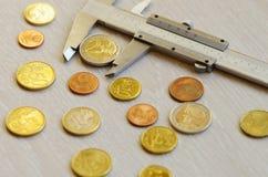 pengar på en tabell Royaltyfri Foto