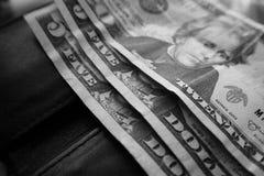 Pengar på plånboken i svart Royaltyfri Fotografi