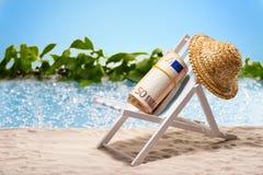 Pengar på semester Fotografering för Bildbyråer