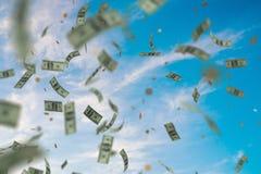 Pengar som ner regnar och faller från himmel framförd illustration 3d Arkivbild