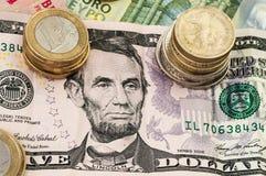 Pengareurodollar Bill Coins Royaltyfri Fotografi