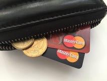 Pengarkort och kassa Arkivfoton