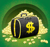 Pengarpåse och guld- mynt. Arkivbild