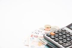 Pengarräkningar för brittiskt pund av Förenade kungariket i olikt värde Arkivfoton