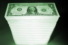 pengarstapel Arkivbilder