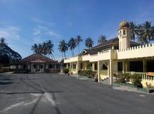 Pengkalan Kakap老和新的清真寺在Merbok,吉打 库存照片