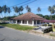 Pengkalan Kakap老和新的清真寺在Merbok,吉打 免版税库存照片