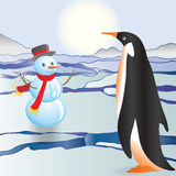The penguin sees a snowman Royalty Free Stock Photography