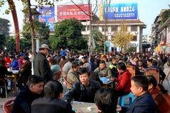 Pengzhou, China: Casa de té al aire libre Imagenes de archivo