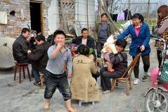 Pengzhou, China: Família chinesa Imagem de Stock