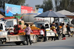 Pengzhou, China: Farmers Selling Oranges Stock Photography