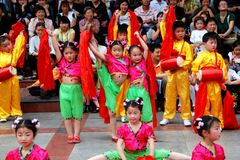 Pengzhou, China: Kids Dancing in New Square Royalty Free Stock Photos
