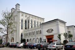 Pengzhou, China: Kirche-Replik Bai-Lu stockbild