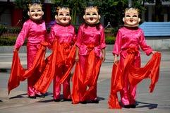 Pengzhou, Chine : Quatre danseuses de femmes Photos stock
