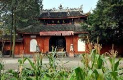 Pengzhou, Chine : Temple bouddhiste de yuan de dong Photos stock