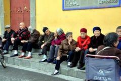Pengzhou, Cina: Cittadini cinesi maggiori fotografia stock
