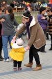 Pengzhou, Cina: Dancing del figlio & della madre Immagini Stock