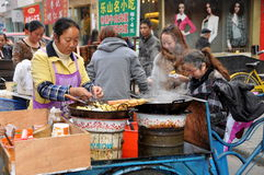 pengzhou porcelanowy karmowy sprzedawca uliczny Obrazy Royalty Free