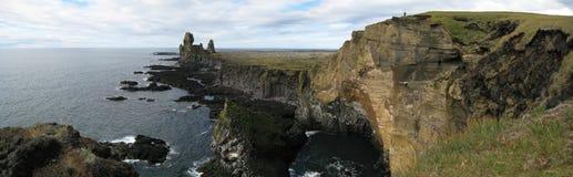 Penhasco de Londrangar (Islândia) Imagens de Stock
