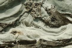 Penhasco esculpido mar nas ilhas de Shetland Foto de Stock Royalty Free