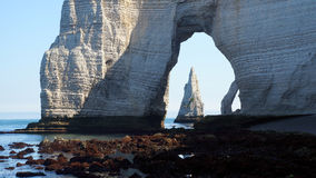 Penhascos de giz no d'Albatre da costa Etretat Fotografia de Stock